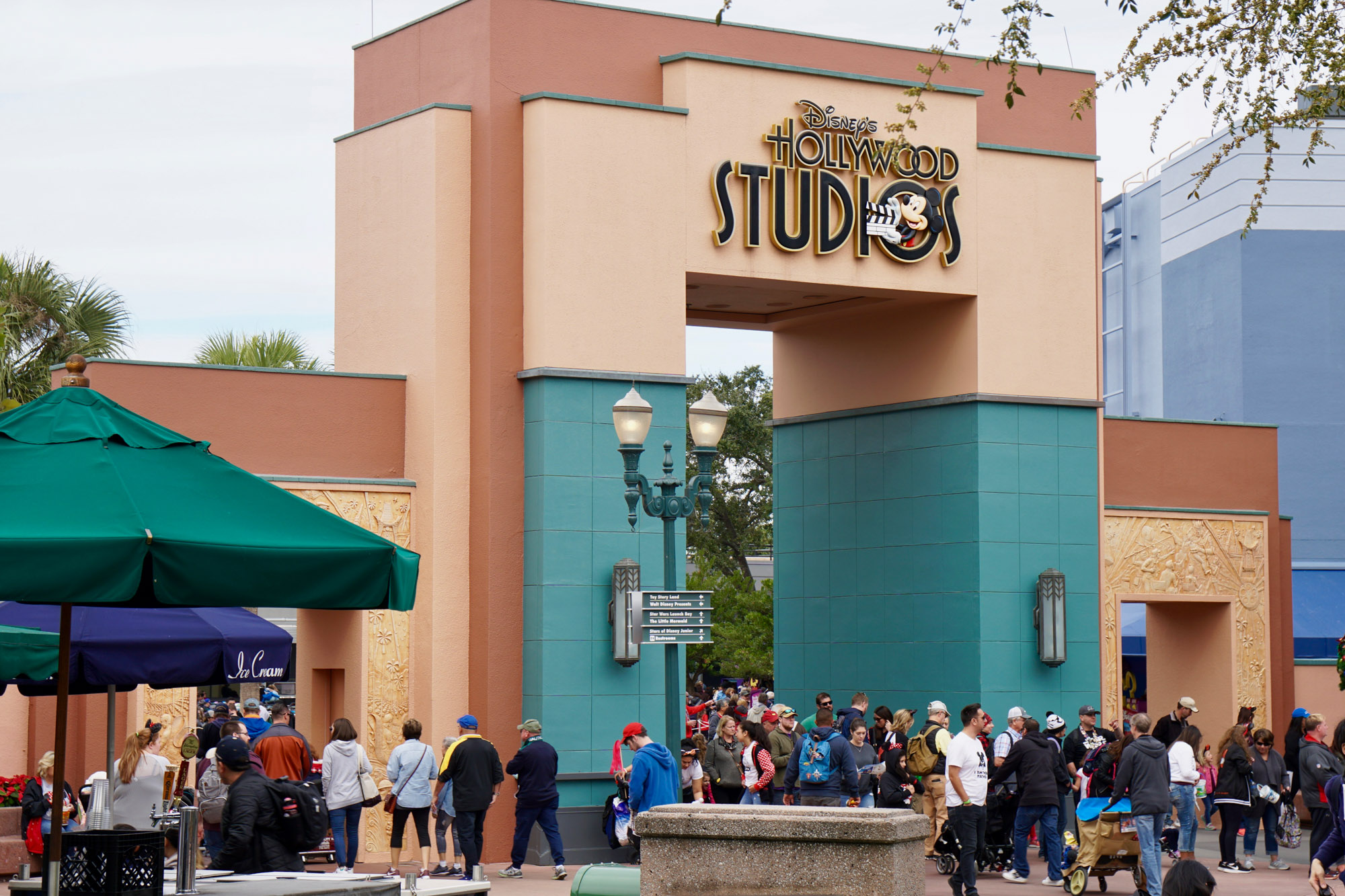 best table service restaurants at Hollywood Studios